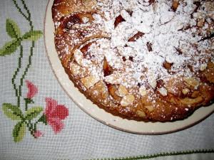 ruoka, kakku, jälkiruoka, omenapaistos, ristipistoliina, irma weisel