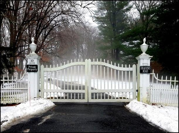 valkoinen portti